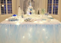 PARTY BLOG by BirdsParty|Printables|Parties|DIYCrafts|Recipes|Ideas: A Magical Frozen Inspired Birthday Party