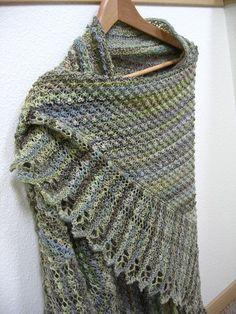 Ravelry: Trinity Stitch Shawl pattern by Esther Smith Bozak free pattern Poncho Au Crochet, Crochet Shawls And Wraps, Knitted Shawls, Knit Or Crochet, Crochet Scarves, Lace Knitting, Knitting Stitches, Summer Knitting, Prayer Shawl Patterns