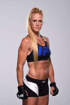 Holly Holm (UFC - fighter) - Born on 17 October 1981 in Albuquerque, New Mexico (USA). Female Mma Fighters, Ufc Fighters, Female Fighter, Female Martial Artists, Martial Arts Women, Mixed Martial Arts, Taekwondo, Holly Holm Ufc, Fit Women