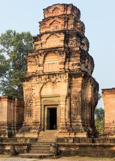 Prasat Kravan, Hindu temple built by non-royalty ca. brick relief Vishnu on Garuda, Angkor, Cambodia - Dave's Travelogues Khmer Empire, Happy Morning, Hindu Temple, Siem Reap, Watercolor Ideas, Travelogue, Angkor, Goa, Morning Quotes