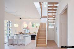 Monumental Coach House // Zecc Architects, BYTR