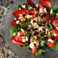 Strawberry Kale Salad with Honey Goat Cheese #healthy #lunch