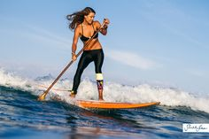 paddle-surf: Donica Shouse in Hawaii, shot by rising legend, Sarah Lee. Paddle Board Surfing, Sup Stand Up Paddle, Standup Paddle Board, Paddle Boarding, Sup Boards, Sup Girl, Sup Yoga, Remo, Windsurfing