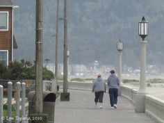 Seaside_oregon_boardwalk Seaside Oregon, Oregon Coast, Top Stories Today, Road Trips, Portland, Ocean, Fall, Beach, Travel