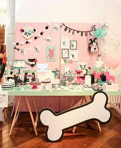 How to Decorate with an Americana Theme Kids Birthday Themes, Girl 2nd Birthday, Puppy Birthday, Birthday Party Decorations, Dog Themed Parties, Festa Party, Puppy Party, Colorful Party, Animal Party