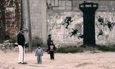 Credit: Banksy British graffiti legend Banksy, known for his street art that is often political in nature, has gone undercover in Gaza Street Art Banksy, Banksy Work, Banksy Mural, Street Art News, Street Artists, Graffiti Murals, Mr Brainwash, Bansky, Pics Art
