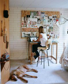 home office creative workspace Deco Studio, Studio Desk, Home Studio, Studio Spaces, Workspace Inspiration, Inspiration Boards, Room Inspiration, Mount Washington, Home Interior