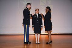 https://flic.kr/p/Kz8JzW | Flores1 | 2nd Lt. Carely Flores from the University of Portland, is commissioned as a second lieutenant in the United States Army at Fort Knox, Ky., July 31. Photo by Emily LaForme