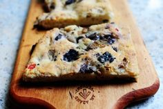Olive Focaccia | The Pioneer Woman Cooks | Ree Drummond--  I don't think I'd want the olives in this, but will knead in some rosemary.