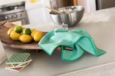 After you've cleaned with the Kitchen Glove, ENJO's Kitchen Miracle dries surfaces fast and keeps your surfaces cleaner for longer, without the nasty toxic residues.