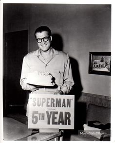 A gallery of Adventures of Superman publicity stills and other photos. Featuring George Reeves, Noel Neill and. First Superman, Superman Family, Batman And Superman, Superman Stuff, Action Comics 1, Dc Comics, Movies And Series, Tv Series, Superman Photos