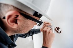 Are you searching a local electrician in Roswell area? Call the experts at Mr. Electric for commercial and residential electrical repair service in Roswell. Schedule electricians in Roswell now. Electrical Problems, Electrical Work, Electrical Outlets, Electrical Appliances, Electrical Equipment, Emergency Electrician, Commercial Electrician, Commercial Electrical Contractors, Deko