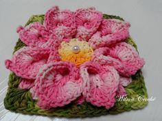 Flor de crochê confeccionada em BARBANTE BARROCO.  Esta flor é ideal para você que sabe fazer crochê; Mais não gosta ou não sabe fazer flores. Pois elas podem ser usadas na confecção de muitos produtos como:  Tapetes, almofadas, caminho de mesa, centros de mesas, cortinas e etc...  Se você quer concluir trabalhos belíssimos...  Então esta é uma ótima oportunidade. Compre flores já prontinhas e depois é só utilizá-las na confecção de suas peças.  Eu garanto que qualquer trabalho ficará…