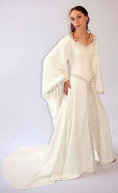 Guenivere wedding dress (also in colors for non-wedding events) (for Narnia & Lord of the Rings & similar fantasy books)