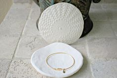 Porcelain Jewelry Dish by Stuck in the Mud Pottery Janelle Beaulieu Little Lace Box April 2015 Retail Value $14.99