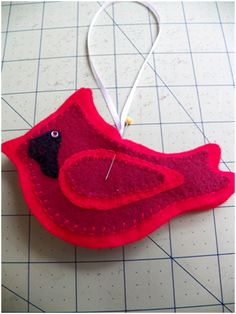 Art Threads: 2011 Felt Ornaments Part 2 Has a pattern
