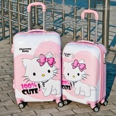Want this luggage.