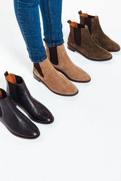 <p><strong>Les bottines Josepha sont les chaussures intemporelles qui s'associent facilement avec toutes vos tenues. Elles se portent tout au long de l'année peu importe la saison ! </strong></p><br /> <p>• Prenez votre pointure habituelle. Entre deux pointures ? Préférez celle au-dessus <br />• Existe aussi en kaki et en cuir lisse noir<br /> • Matière ...