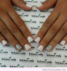 Botanic nails short, white, silver