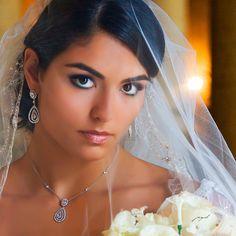 Portrait of a bride Wedding Photography, Drop Earrings, Bride, Photo Ideas, Portraits, Weddings, Image, Fashion, Cute Pictures