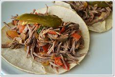 Tacos de salpicón,receta recopilada por Diana Kennedy, que le fue compartida por la Señora María Alejandre de Brito, en Zitácuaro, Michoacán.
