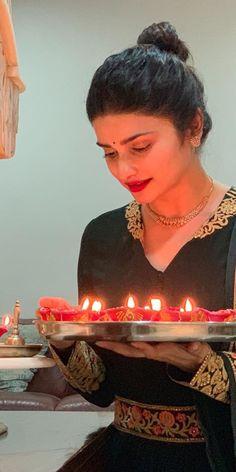 Prachi Desai, Indian, Cake, Desserts, Beautiful, Food, Tailgate Desserts, Pie, Kuchen