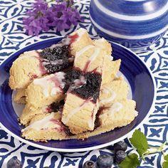 Möra och goda kakor med blåbär. Foto Thomas Carlgren