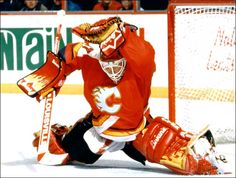I know very few people will agree with me but here it goes: BEST GOALIE EVER! And in the best version of his custom Brian's equipment!
