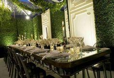 https://i.pinimg.com/236x/b0/e2/93/b0e293f7749f4bebb5d7ccc89e71fbbf--wedding-receptions-wedding-tables.jpg
