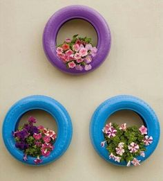 Marvelous 8 Incredible DIY Used Tires Garden Design Ideas For New Shades In Garden Used DIY tire design, whereas you know, there are a lot of us find used tires that are unused and abandoned. Therefore why don't we just try to be cre. Tire Garden, Balcony Garden, Tire Craft, Tire Planters, Used Tires, Tyres Recycle, Diy Garden Decor, Balcony Decoration, Yard Art