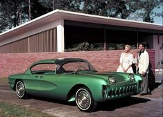 Chevrolet Biscayne, 1955 in front of cool Mid Century house