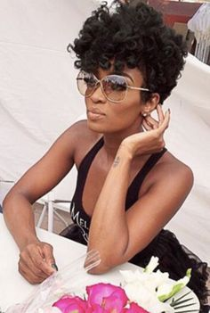 Ariane Davis tapered textured cut Let my hair grow out to THIS! Front Hair Styles, Curly Hair Styles, Hair Front, Natural Hair Cuts, Natural Hair Styles, Natural Tapered Cut, Tapered Afro, Textured Haircut, Textured Bob