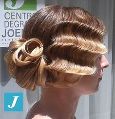 Una delle nostre acconciature per un'occasione importante. #cdj #degradejoelle #tagliopuntearia #degradé #igers #bride #naturalshades #hair #hairstyle #haircolour #haircut #longhair #ootd #hairfashion