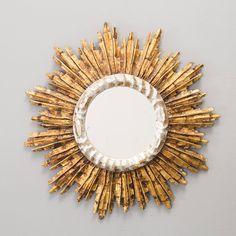 Espelho de meados do sec.20th, 51cm de diametro, 2,570 USD / 2,260 EUROS / 8,980 REAIS / 16,590 CHINESE YUAN soulcariocantiques.tictail.com