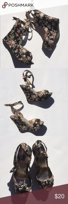 🌺Floral Buckles Around Ankle Wedges🌺 Super sexy black Wedges with pink floral print. Buckles around ankle. Size 5.5, but can also fits size 6. Charlotte Russe Shoes