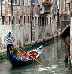 Whether you were to ask the 10-year-old me or the 25-year-old me what i thought the most romantic experience I could take in with a boyfriend was, I'd have the same answer: a Venetian gondola ride.  I would not only explore the Grand Canal, but also the canals less taken: asking our gondolier to travel through the quieter backwaters of Venice. #monogramsvacation