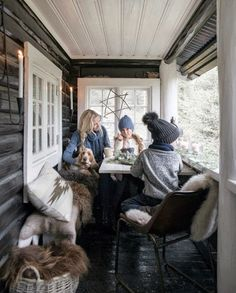 cottage Outdoor Furniture Buying Guide Modern outdoor furniture can mean so many things. Winter Cabin, Winter Porch, Cozy Cabin, Winter House, Cozy House, Lake Cabins, Cabins And Cottages, Mountain Cottage, Ski Chalet