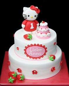 """Bloody """"Hello Kitty"""" everything at mo! Hello Kitty Torte, Torta Hello Kitty, Hello Kitty Birthday Cake, Birthday Cake Girls, Birthday Cakes, Pretty Cakes, Cute Cakes, Beautiful Cakes, Amazing Cakes"""
