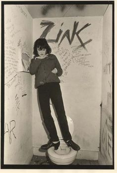 Exene at The Masque photo by Ann Summa Rock And Roll Girl, Rock N Roll, Exene Cervenka, Chicas Punk Rock, Alice Bag, Riot Grrrl, Punk Goth, Comme Des Garcons, Grunge Hair