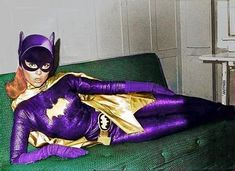 Awesome pics of Yvonne Craig as Batgirl! Batman Y Robin, Batman And Batgirl, Batman 1966, Batman Comics, Batman And Superman, Batman Stuff, Batman Tv Show, Batman Tv Series, Character