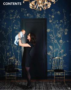 "I know this is dark but if we painted the red tiles blue I think this would be beautiful ❤ More de Gournay. This trad pattern (I think it's ""Portobello"") feels fresh in navy + gold. Originally featured in Elle Decor. Gracie Wallpaper, Dark Blue Wallpaper, Blue Wallpapers, Bedroom Wallpaper, Wallpaper In Dining Room, Blue Floral Wallpaper, Crazy Wallpaper, Feature Wallpaper, Chic Wallpaper"