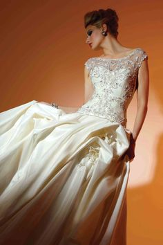 Victor Harper - Couture  Designer Bridal Gown - Style VHC213