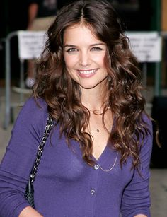 Katie Holmes with gorgeous brunette waves #KatieHolmes #hair