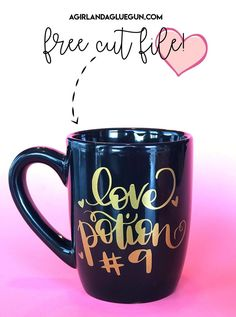 Love potion cut file for Valentines Day! Love potion cut file for Valentines Day! - A girl and a glue gun Vinyl Projects, Diy Craft Projects, Marker Crafts, Cricut Tutorials, Cricut Ideas, Bee Crafts, Cricut Vinyl, Cricut Craft, Silhouette Cameo Projects