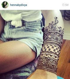 Wrist and Arm Henna. Use for inner arm, not so far down the arm.