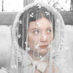 Mia Wasikowska in Jane Eyre Jane Eyre 2011, Becoming Jane, Mia Wasikowska, Cultura Pop, Period Dramas, Jane Austen, Belle Photo, Costume Design, Portrait Photography