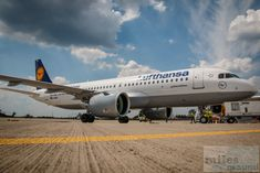 Airbus A320neo D-AINA - Check more at https://www.miles-around.de/airline-reviews/lufthansa/sonderflug-mit-dem-lufthansa-siegerflieger-auf-die-ila-2016/, #AirbusA320neo #BerlinAirshow #Boeing747-8 #Fanhansa #ILA2016 #Lufthansa #Siegerflieger