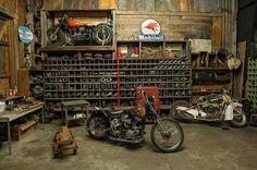 Harley in a vintage garage | repinned by www.BlickeDeeler.de.
