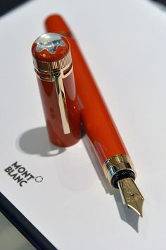 Beautiful Coral Mont Blanc fountain pen! #WilliamHannahUK #BecauseWritingHelps #fountainpens #pen #fountain #writing www.williamhannah.com