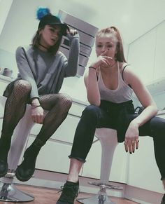 Maisie Williams & Sophie Turner
